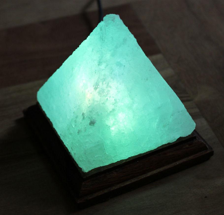 lampada-a-piramide-usb